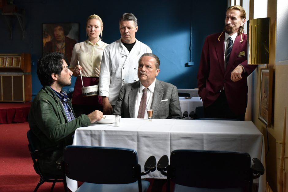 Toivon tuolla puolen (The Other Side of Hope, 2017) de Aki Kaurismäki