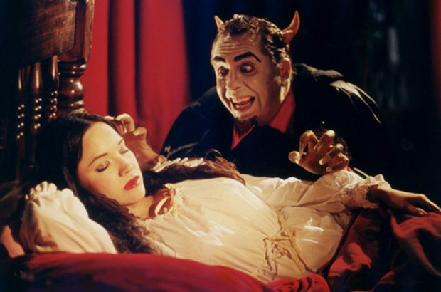 Anna Biller em A Visit from the Incubus (2001)